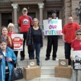 AUSTIN, TX – On Wednesday, April 24th, a delegation of TSEU activists were at the Capitol as part of a statewide University Day of Action in which TSEU members from […]